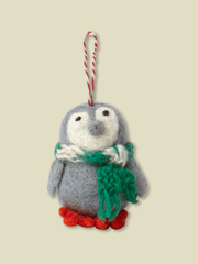 1GB PERCY PENGUIN DECORATION